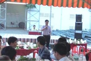 02-2011 CHĂM LO TẾT CHO NGƯỜI LAO ĐỘNG